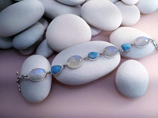 Pulsera de plata con gemas de Larimar y Piedra de luna.. Foto 1