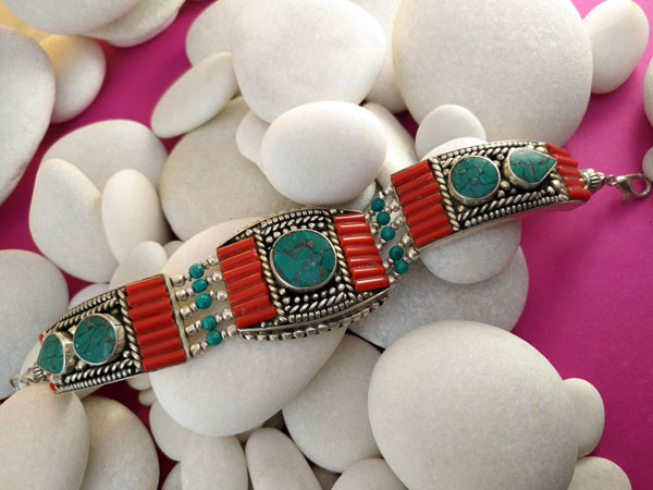 Tibetan ethnic bracelet.. Foto 2