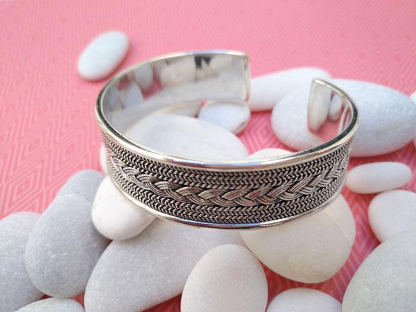 Pulsera artesanal etnica de plata de 1a. ley.. Foto 2