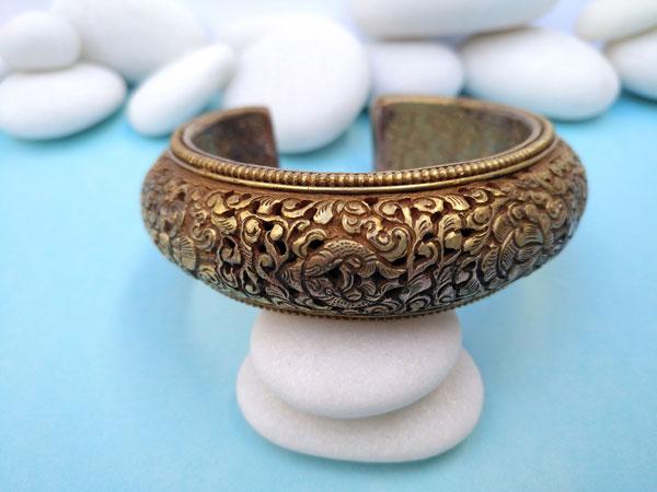 Antique traditional Tibetan bracelet.. Foto 1