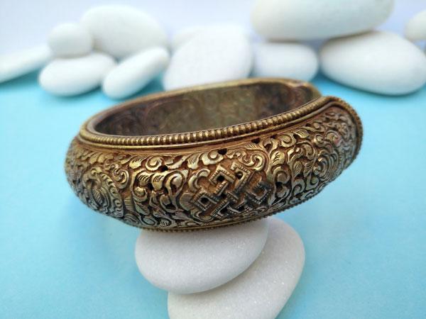 Antique traditional Tibetan bracelet.. Foto 2
