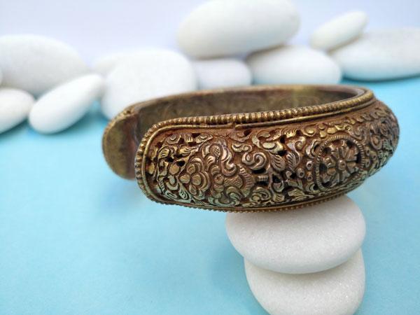 Antique traditional Tibetan bracelet.. Foto 3