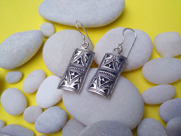 Tuareg traditional earrings, handcrafted on Sterling silver.. Foto 1