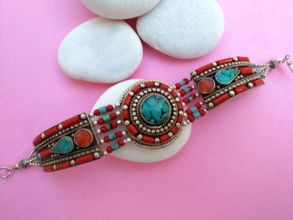 Pulsera artesanal etnica tibetana.. Foto 1