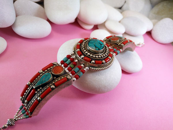 Pulsera artesanal etnica tibetana.. Foto 2