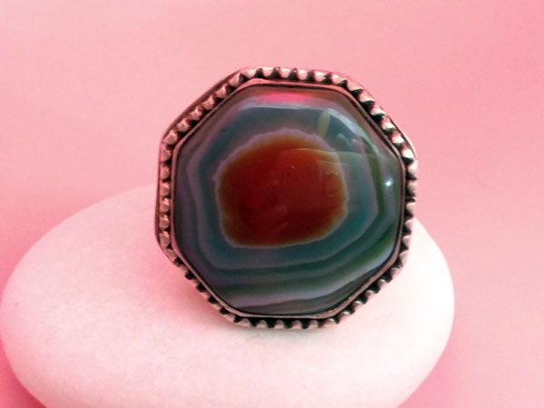 Old Sterling silver and agate ethnic ring.. Foto 1