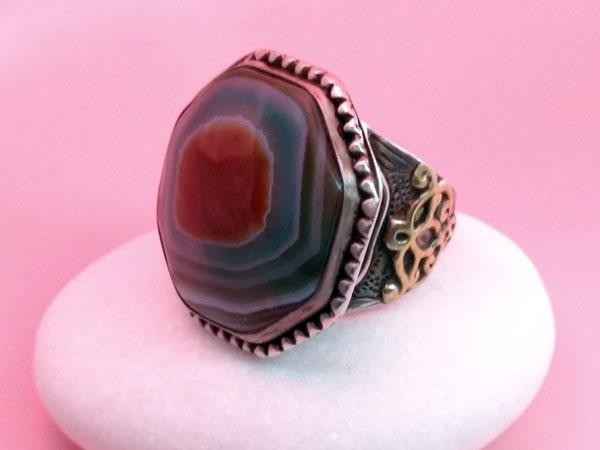Antiguo anillo etnico de plata y agata.. Foto 2