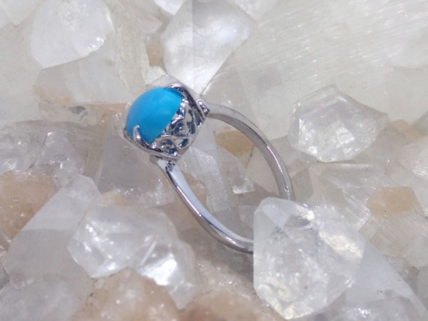 Sterling silver and turquoise ethnic ring.. Foto 1