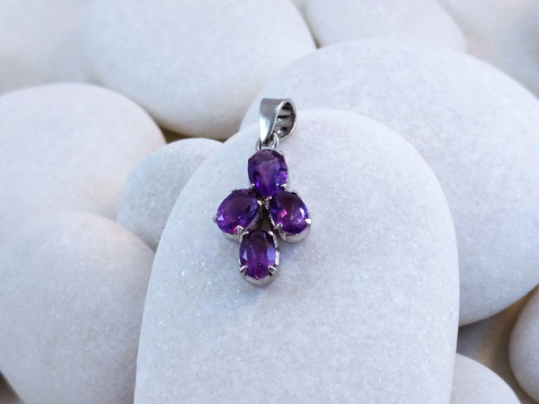 Amethyst and Sterling silver pendant.. Foto 1