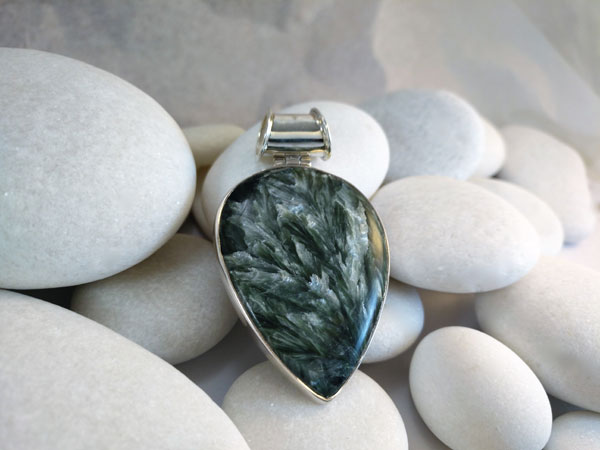 Chaorite and Sterling silver pendant.. Foto 1