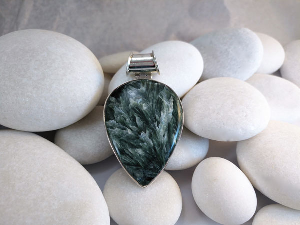 Chaorite and Sterling silver pendant.. Foto 2