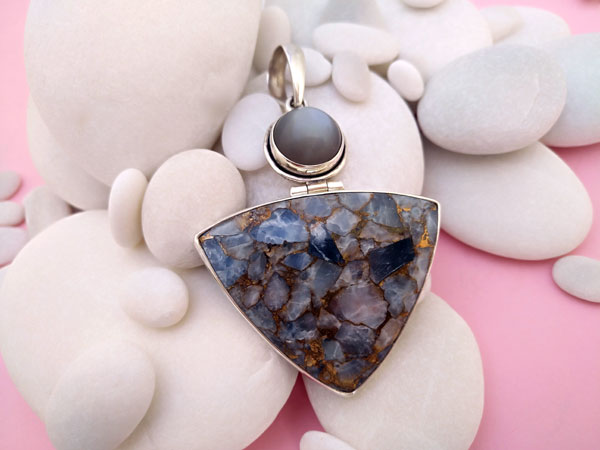 "Sterling silver pendant with copper Calcite and Sapphire ""cat's eye"".. Foto 1"