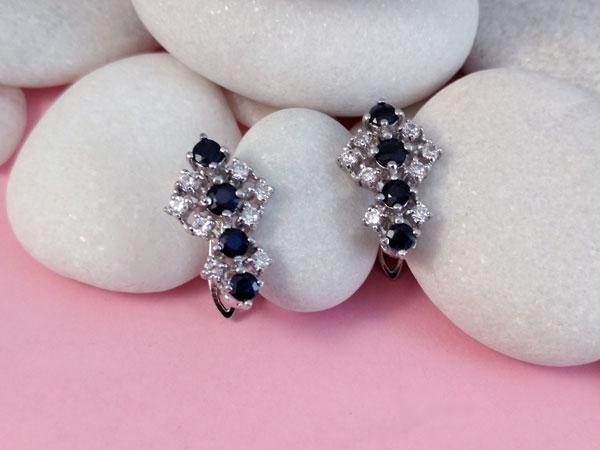Pendientes de plata y gemas de Zafiros y cristales de Swarosvski.. Foto 2