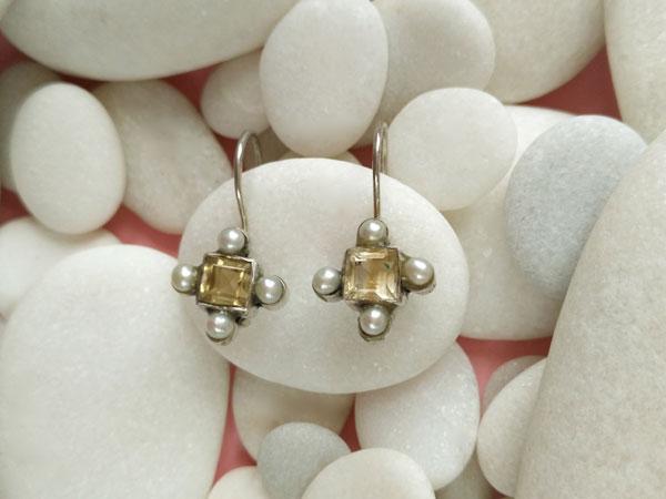 Antiguos pendientes etnicos de plata de ley con perlas y cuarzo citrino.. Foto 2