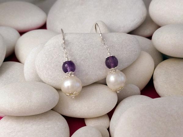 Pendientes artesanales de plata, perlas y amatista.. Foto 2