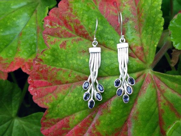Sterling silver and Iolite gemstones earrings.. Foto 2