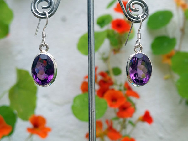 Namibia Amethyst and Sterling silver earrings.. Foto 3