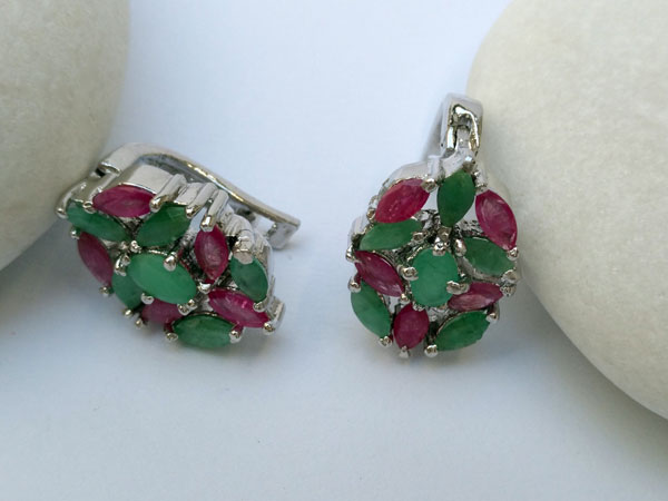 Elegant ethnic silver earrings.. Foto 3
