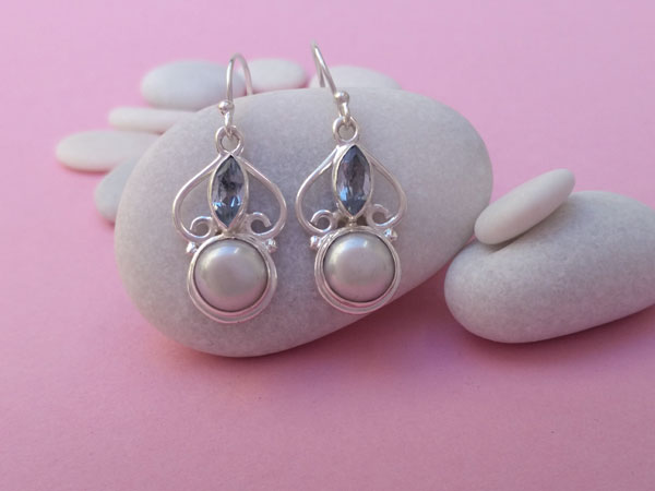 Sterling silver earrings with pearls and Aquamarines.. Foto 1