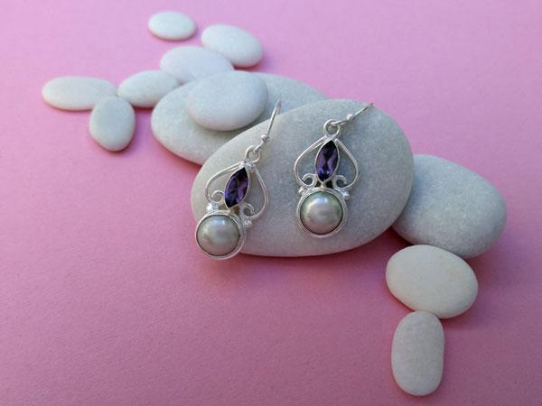 Amethyst, Pearls nad Sterling silver earrings.. Foto 1
