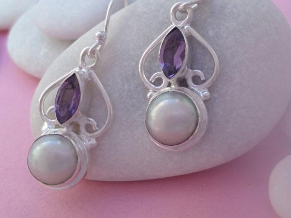 Amethyst, Pearls nad Sterling silver earrings.. Foto 2