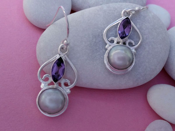 Amethyst, Pearls nad Sterling silver earrings.. Foto 3