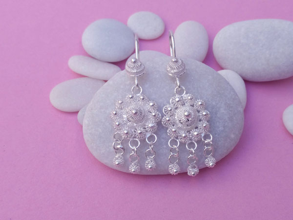 Ethnic earrings made of Sterling silver filigree.. Foto 1