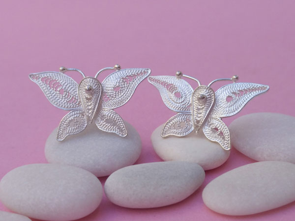 Ethnic earrings made of Sterling silver filigree.. Foto 3