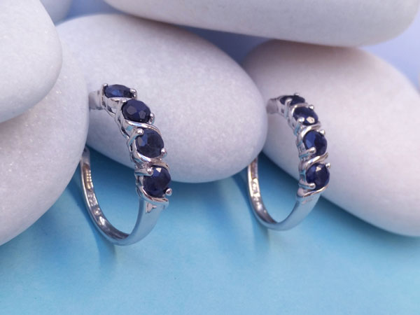 Sterling silver and blue Sapphires earrings.. Foto 1