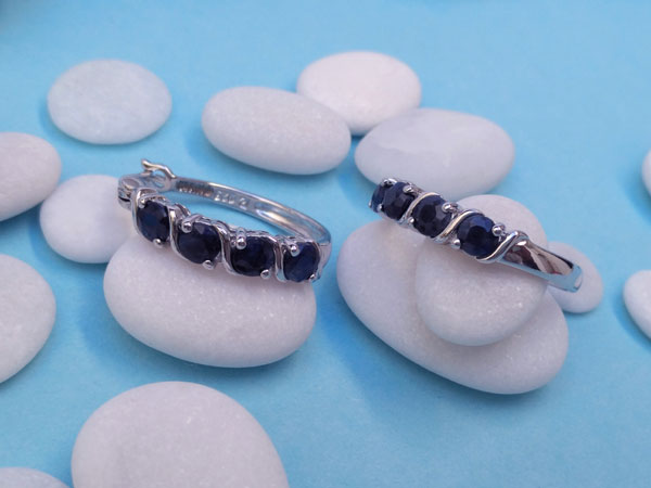 Sterling silver and blue Sapphires earrings.. Foto 2