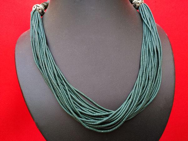 Collar etnico de aventurina verde.. Foto 2