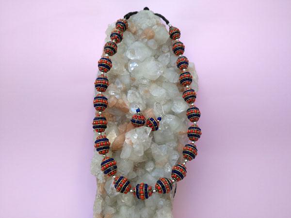Conjunto de collar y pendientes etnicos artesanales tibetanos.. Ref. TPD