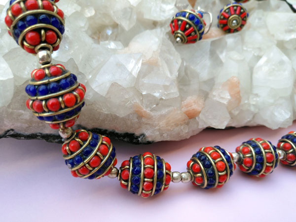 Tibetan handmade ethnic necklace and earrings set.. Foto 5