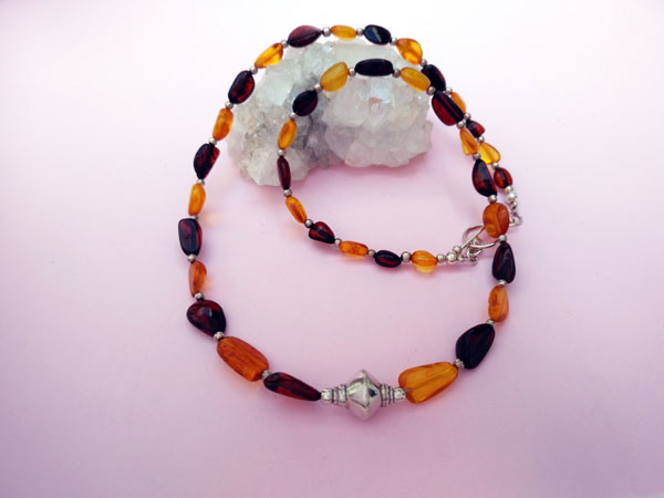 Handmade Sterling silver and amber ethnic necklace.. Foto 1