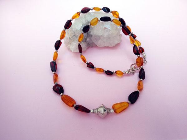 Collar etnico artesanal de plata y ambar.. Ref. TPE
