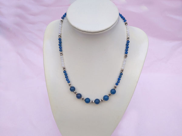 Conjunto de collar y pulsera de plata, cuarzo azul y piedra de luna.. Ref. TPM