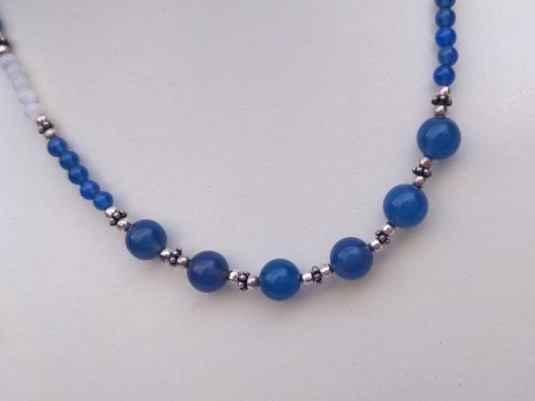Conjunto de collar y pulsera de plata, cuarzo azul y piedra de luna.. Foto 2