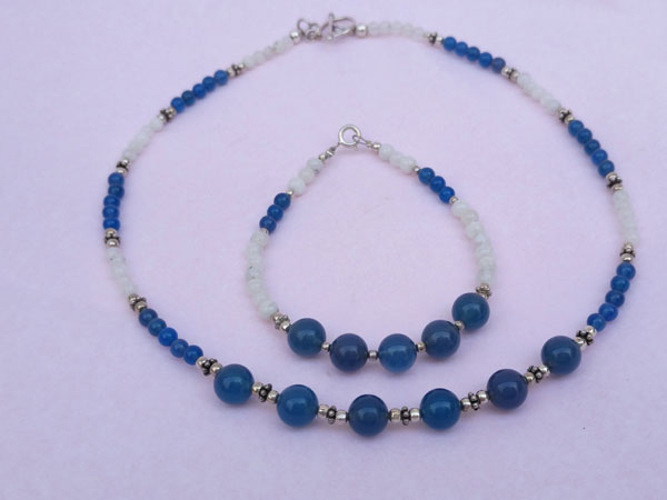 Silver necklace and bracelet set with blue quartz and moonstone.. Foto 3