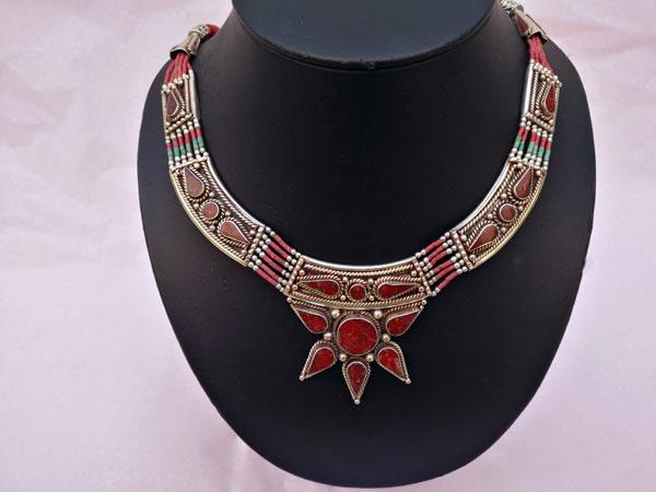 Tibetan ethnic necklace.. Foto 1