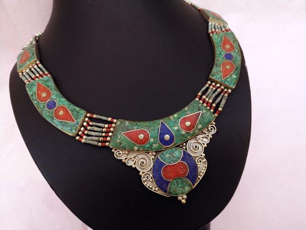 Collar etnico artesanal tibetano.. Ref. TPQ