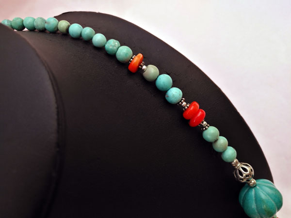 Traditional Tibetan Sterling silver and turquoise necklace.. Foto 4