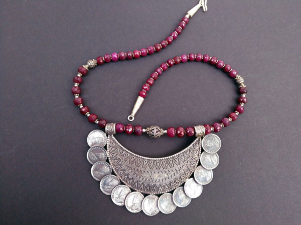 """Ethnic Sterling silver and purple ruby """"balaj"""" necklace.. Foto 3"""