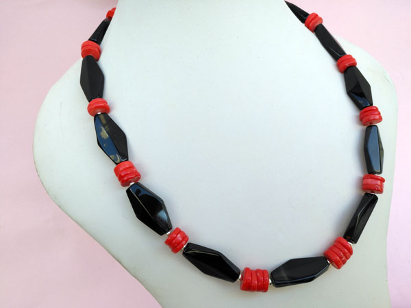 Ethnic Sterling silver, Onix and coral necklace.. Foto 1