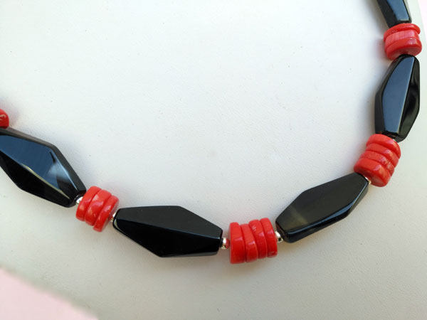 Ethnic Sterling silver, Onix and coral necklace.. Foto 3