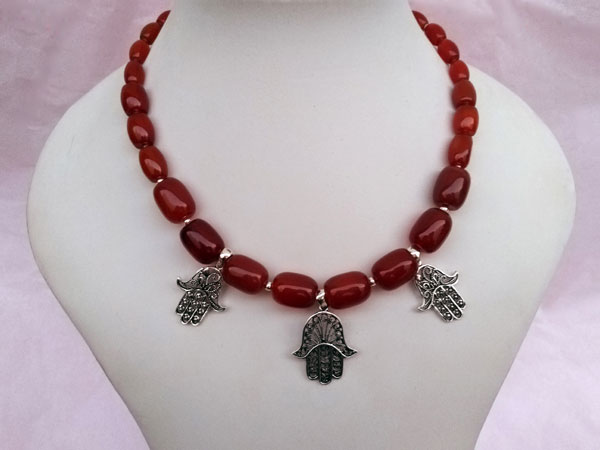 Ethnic silver and carnelian agate necklace.. Foto 1