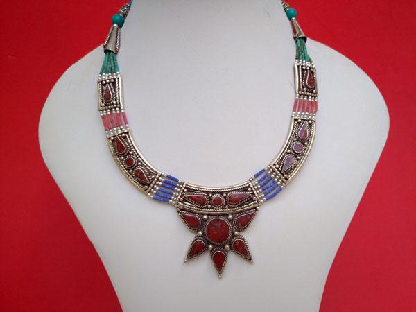 Collar etnico tibetano.. Ref. TQH