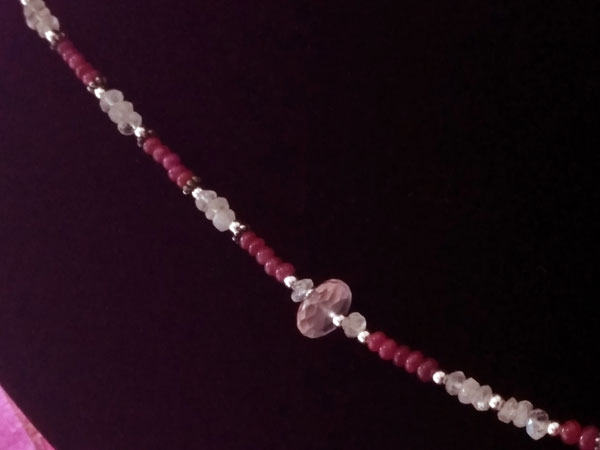 Sterling silver and Kunzite, Moonstone and Rubis necklace.. Foto 4