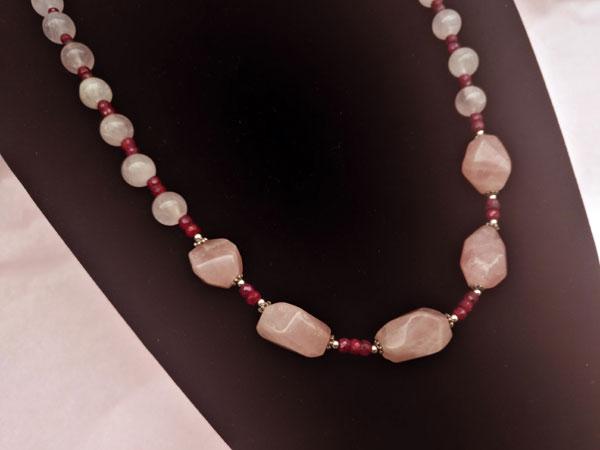 Collar de plata con rubis y cuarzo rosa.. Foto 2