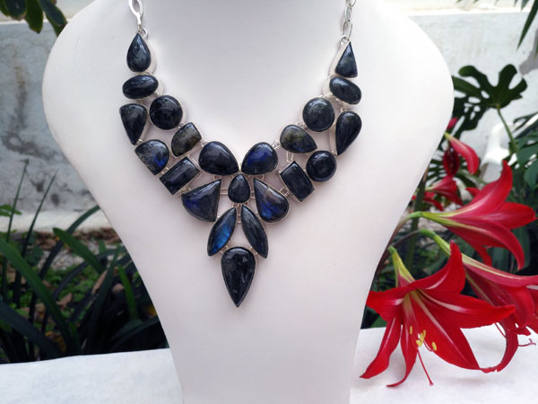 Labradorite gemstone necklace.. Foto 2