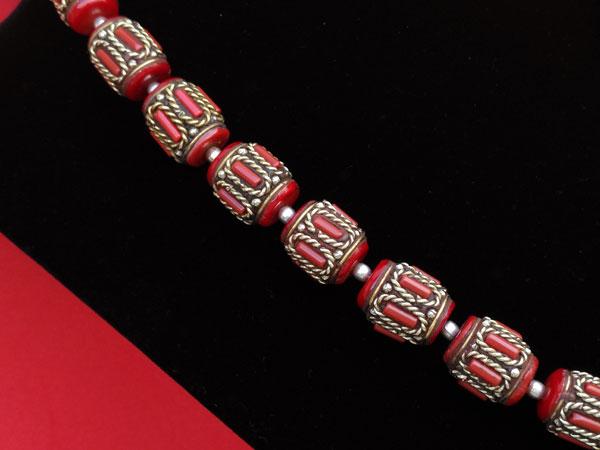 Collar tradicional tibetano de coral.. Foto 3